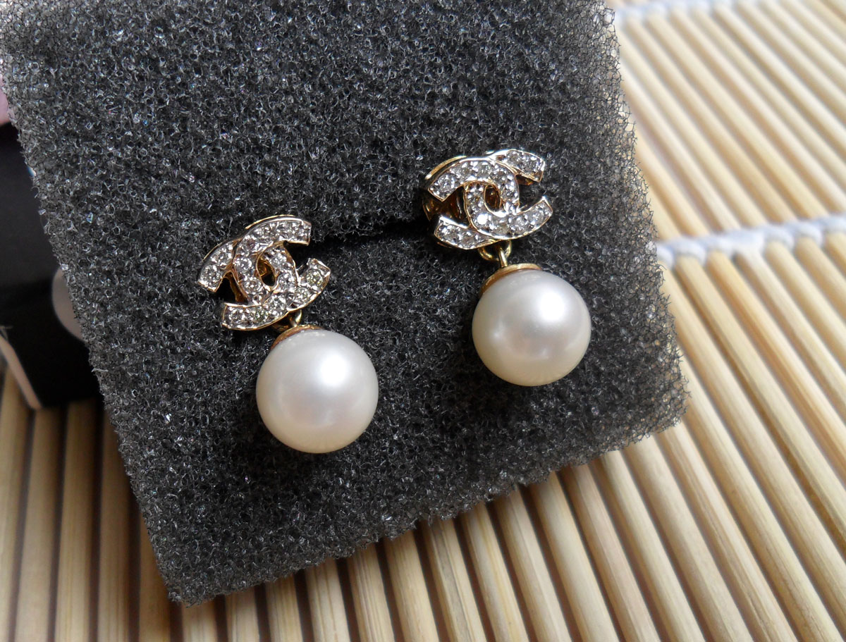 Chanel earrings pearl stud