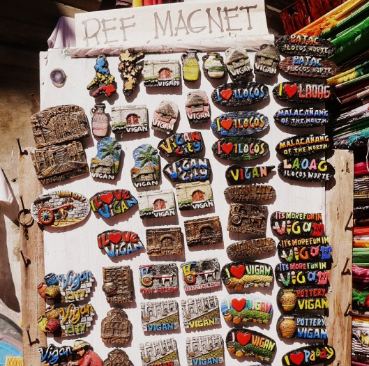 Cute ref magnets!  Some are being sold at P100 for 3 pieces.