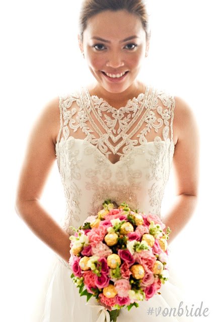 On bride Shielisse